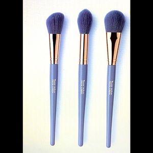Terre Mere Cosmetics 3pc Cheek Prof Brush Set NWT